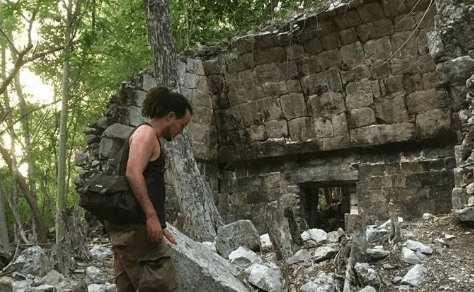 Anyextee exploring the Mystery Ruins for Adept Expeditions