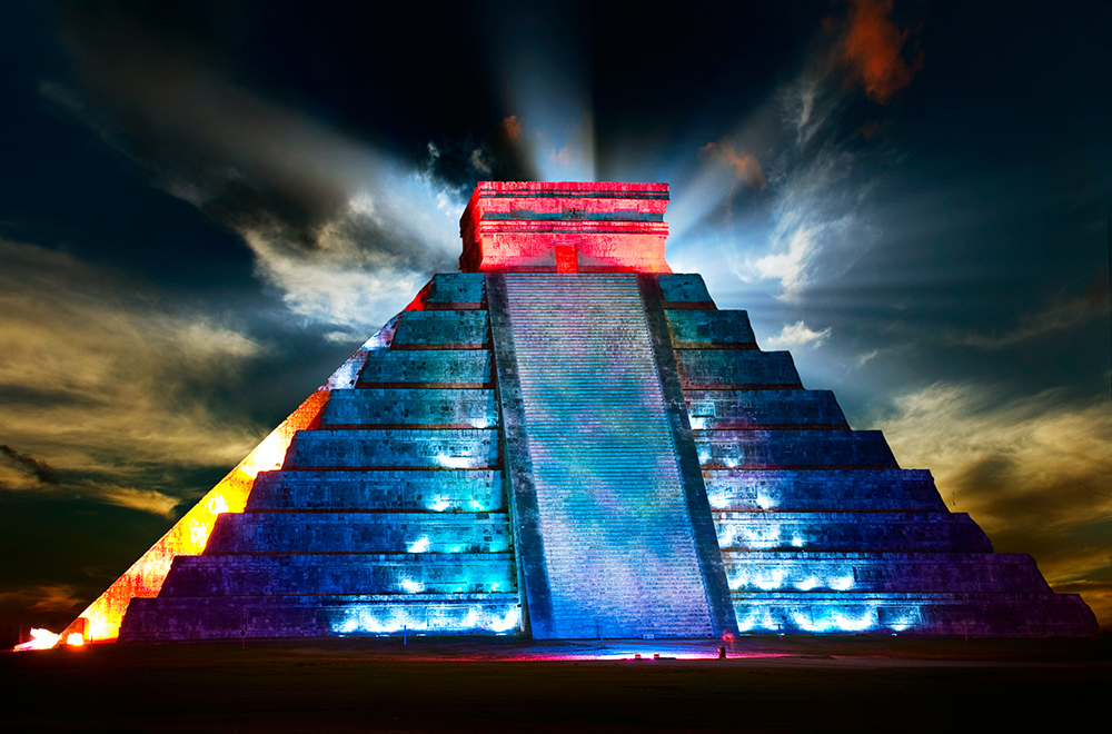 chichen-itza-light-show