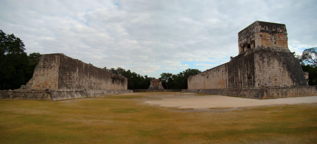 Chichen-Itza-Ballcourt