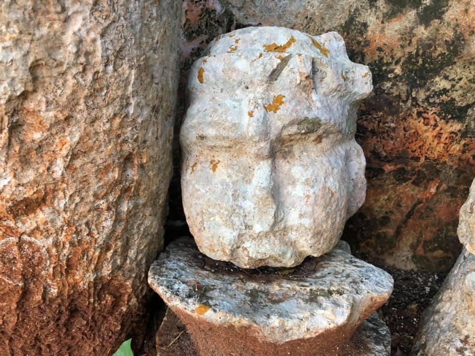 olmec-head-labna-ruins-yucatan